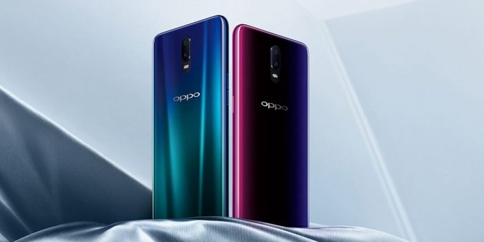 Oppo R17 with tiny notch display