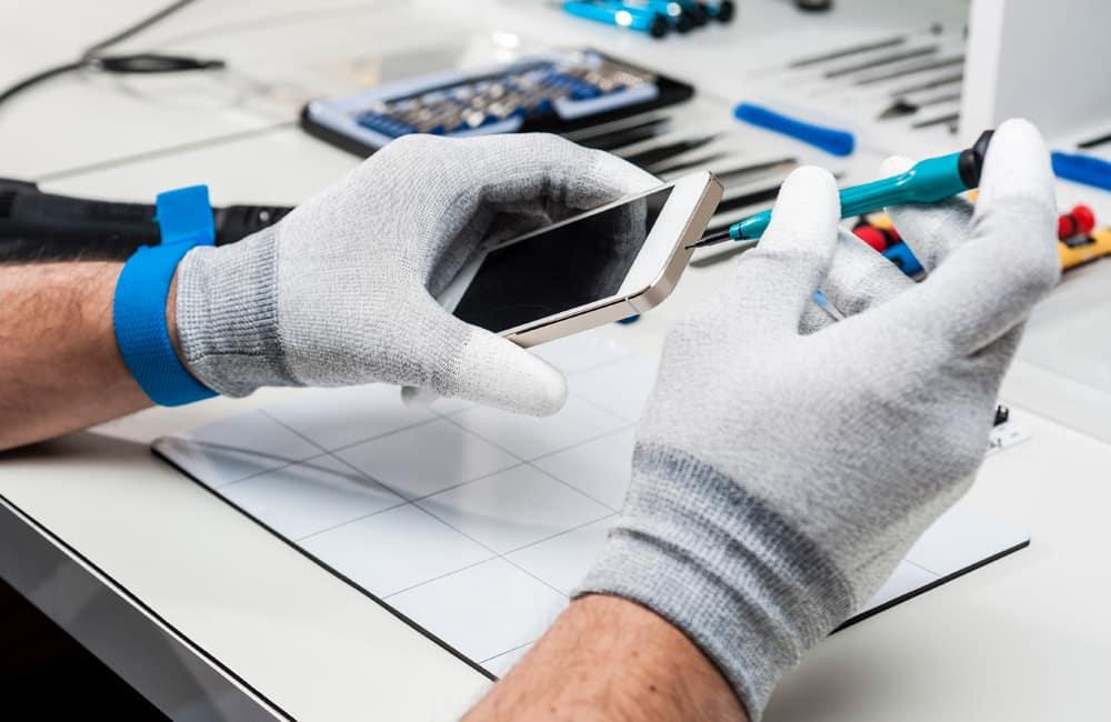 phone technician repair