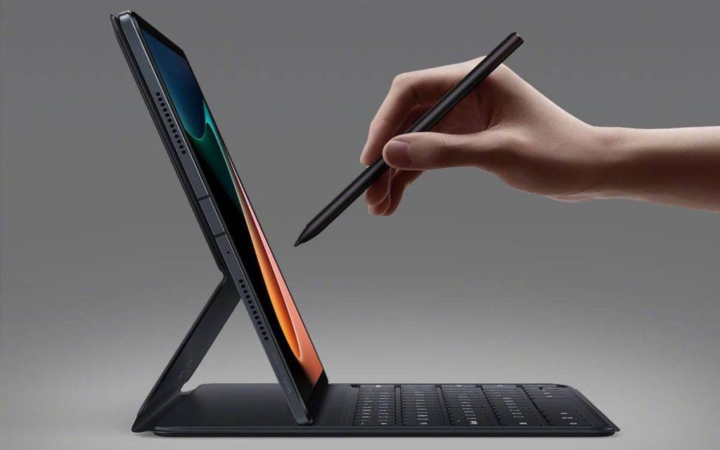 Xiaomi Mi Pad 5 with stylus pen